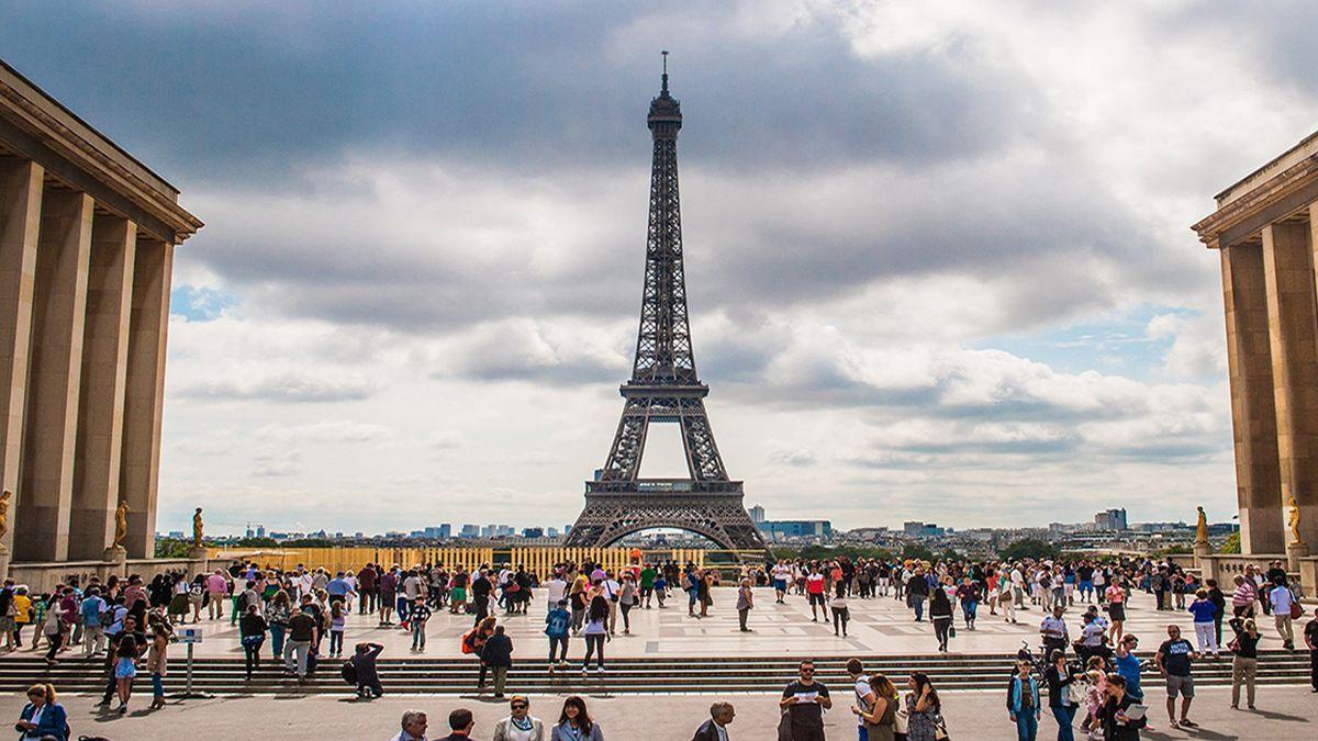 internetska stranica za upoznavanje u Francuskoj izlazi s 17 godina starom Kalifornijom